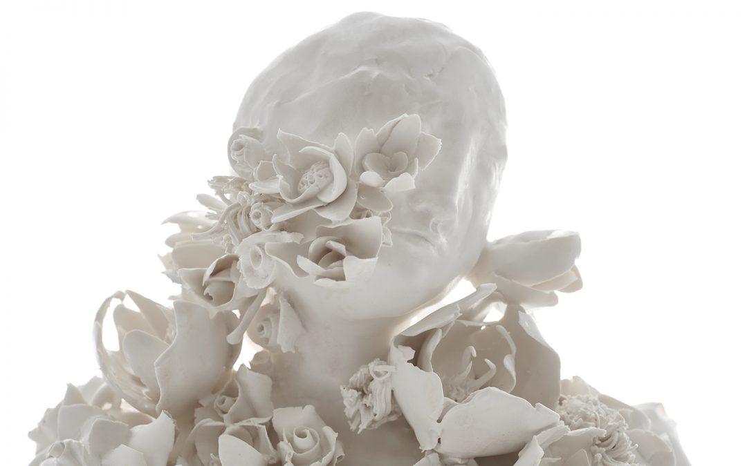16 _FlowerFigure_2020_68cm_h_Stoneware